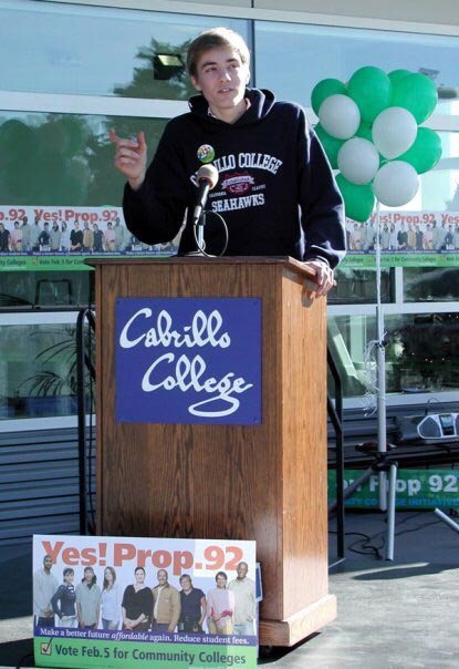 young-Ian-giving-a-speech-at-Cabrillo-College